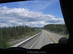 Travel from Paris to Prague by bus